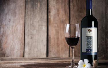 Rượu vang Nero di Troia Tanè