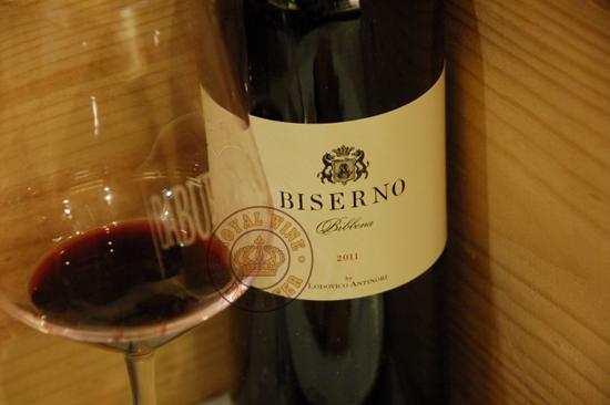 Rượu vang Ý Biserno 2011