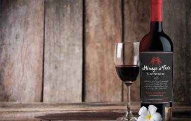 Rượu vang Menage A Trois Midnight