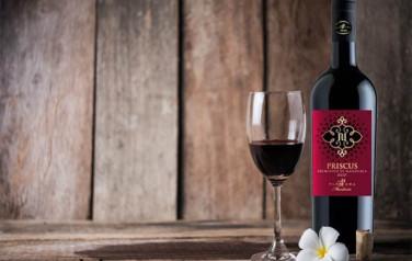 Rượu vang Priscus Primitivo di Manduria