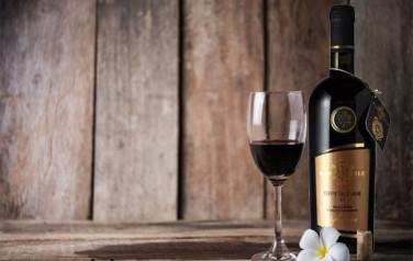 Rượu vang Santi Nobile Terre Siciliane
